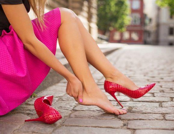"""Tacchi alti: meglio tenere i """"piedi per terra"""""""
