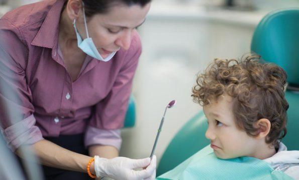 Odontoiatra-e-bambino1